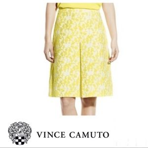 VINCE CAMUTO Yellow & White Pleat Skirt Sz 10.